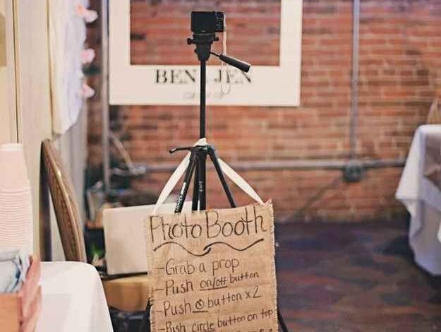 Fruitful Suggestions for A Fun Photo Booth For Your Wedding Reception